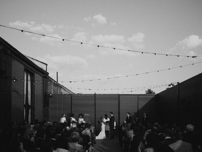 green_building_wedding_0032