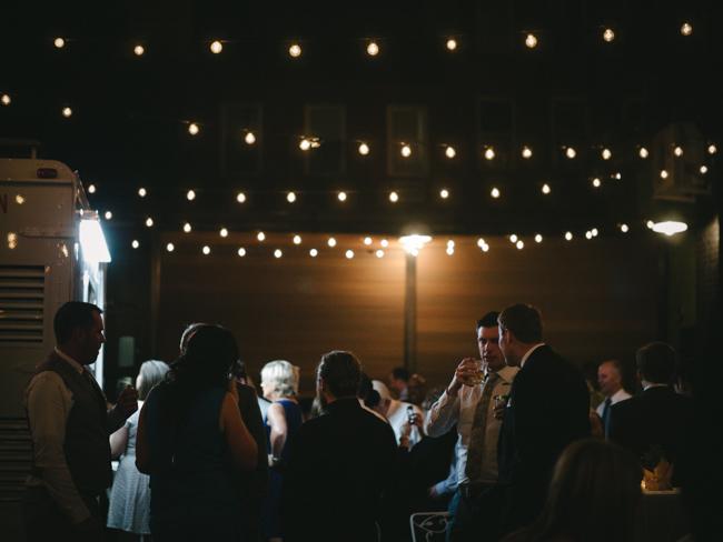 green_building_wedding_0068