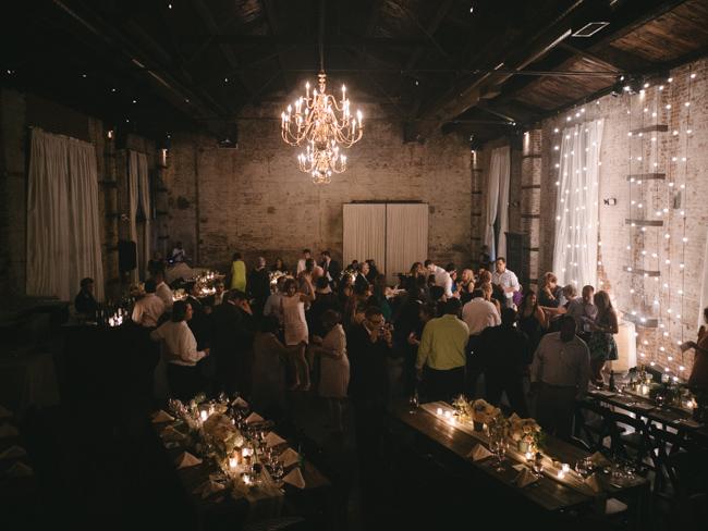 green_building_wedding_0072